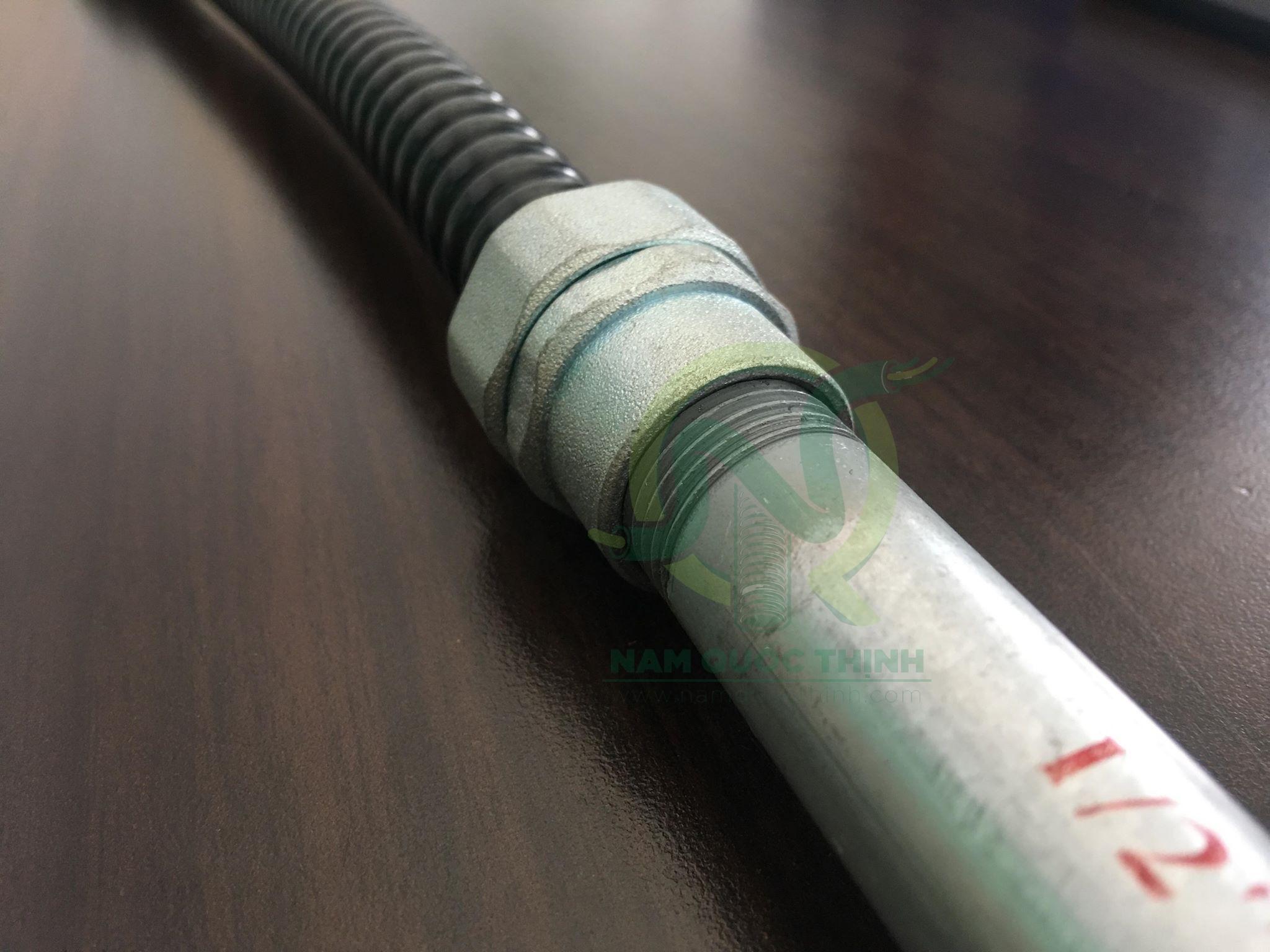 Đầu nối ống mềm kín nước và ống thép luồn dây điện ren IMC